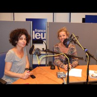Interview radio studio animatrice journaliste film